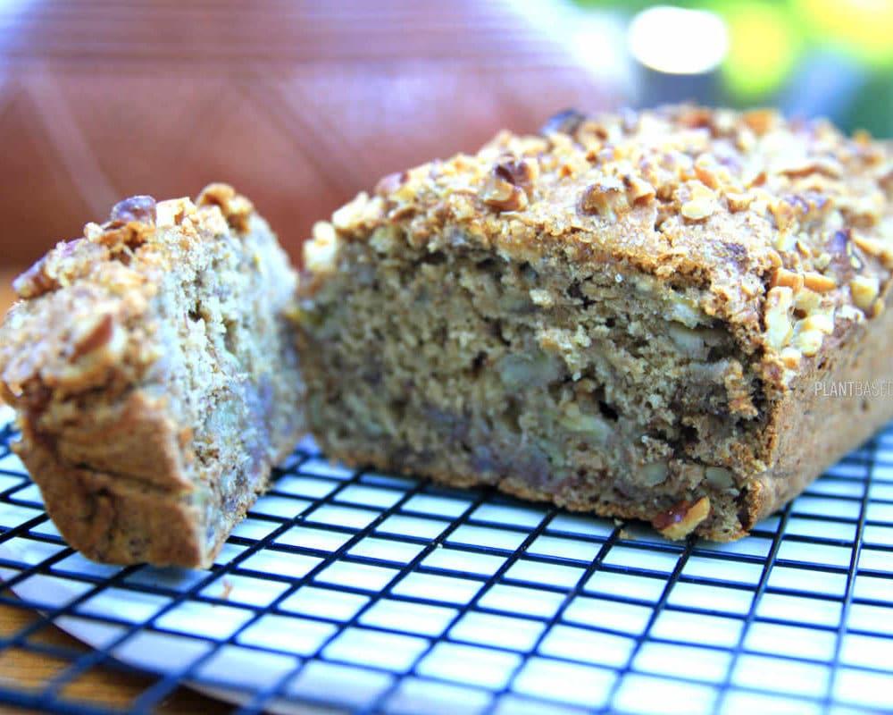 Vegan low fat banana bread, oil free.