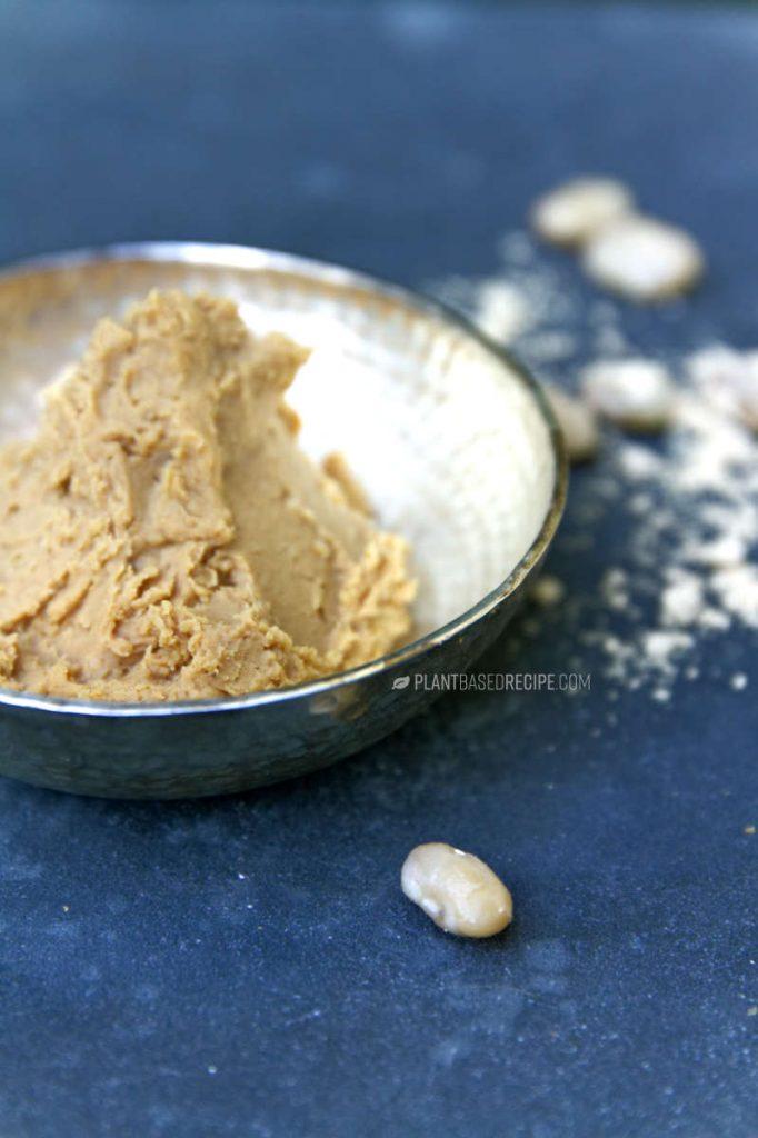Low fat vegan creamy peanut butter